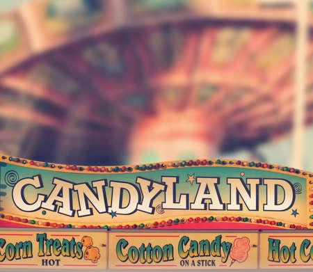 Classic amusement park sign selling cotton candy Foto de archivo