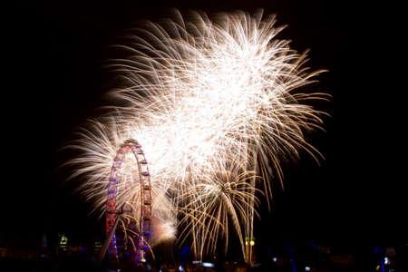 Fireworks on New Years Eve in LondonFeuerwerk an Silvester in London Stock Photo - 17175878