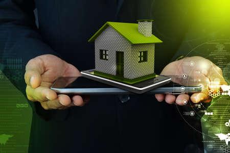 Es werden zu Hause mit Smartphone Standard-Bild - 30783689