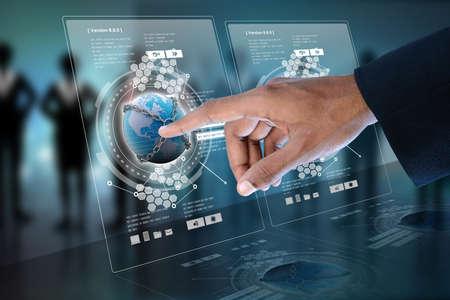 технология: Смарт руки, показывая футуристический технологии Фото со стока