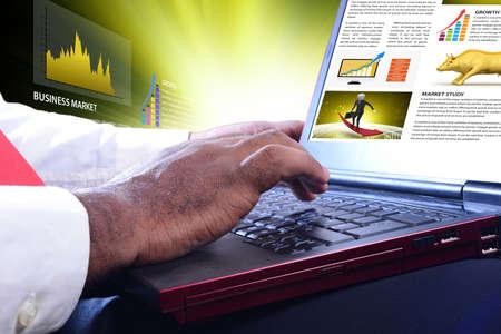 Conceptos para la bolsa de noticias en línea Foto de archivo - 80005913