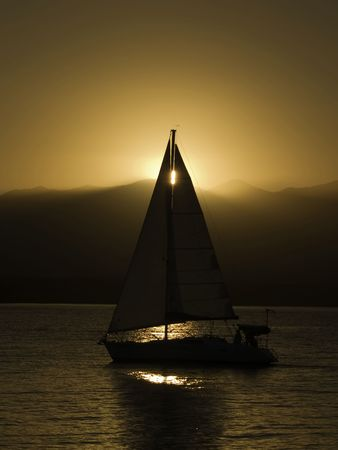 A sunset cruise comming back into port. Banco de Imagens - 2817954