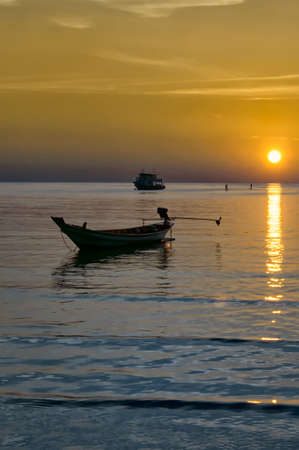 koh tao: Long tail boat and sunset Koh Tao. Thailand