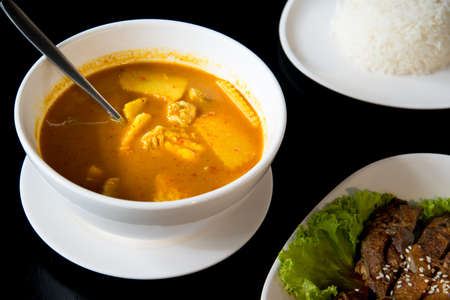 Kaeng Som (a sour, spicy type of soup).