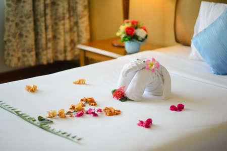 Towel looklike animal in luxury hotel 免版税图像