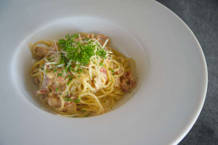 Carbonara pasta, spaghetti with pancetta,Traditional italian cuisine. Pasta alla carbonara. 免版税图像