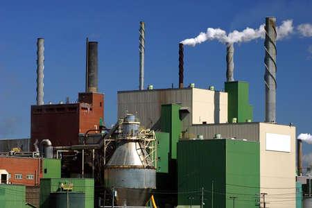 Paper Mill in Quebec, Canada Standard-Bild
