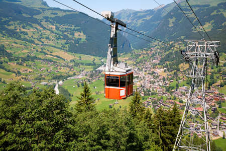 Cable Car in Grindelwald, Bern Canton, Switzerland Imagens - 3287211