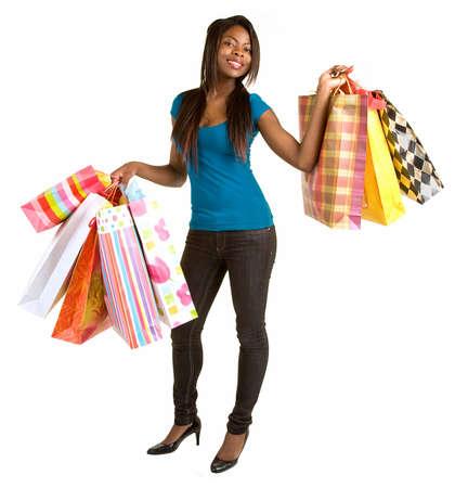 若いアフリカ系アメリカ人女性、買い物に