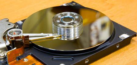 Open disco rigido sul tavolo dell'ufficio.