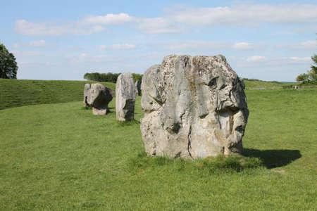 �ge de pierre: Menhirs, une partie du cercle de pierre n�olithique �ge de la pierre d'Avebury