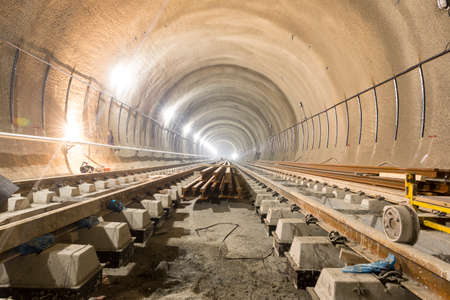 The railroad of the subway during the final steps of the tunnel construction. 免版税图像 - 56508226
