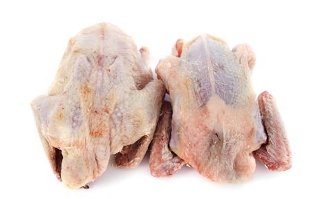 kuropatwa: dwa mięso kuropatwy na pokładzie cięcia drewna