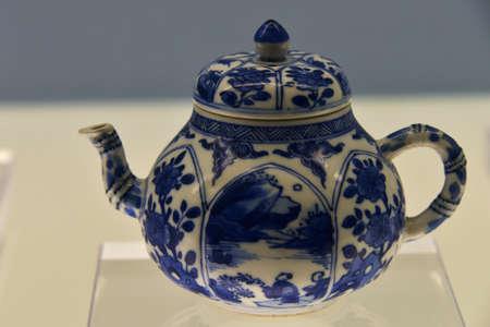 receptacle: Porcelain teapot
