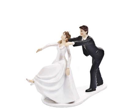 pastel de bodas: Pastel de bodas Pareja topper aislado Foto de archivo