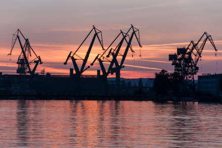 Werft Standard-Bild - 24049652