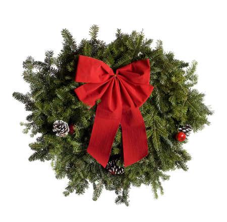 Weihnachtskranz isoliert auf weiss.  Professionell spotted und retuschierte.  Sauber Hintergrund - nicht grau!