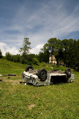 Crash car wreck on the grass Stock Photo - 13341660