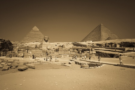 cairo: Great , Cheops  pyramid and Sphinx - Giza, Egypt