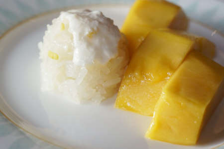 deserve: This popular Thai dessert with mango and sticky rice always deserve a good shot!