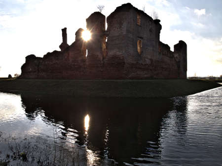Photo abandoned castle ruins done under the sun