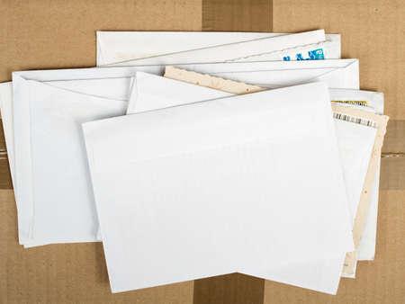 문자와 우편 소포의 더미 스톡 콘텐츠