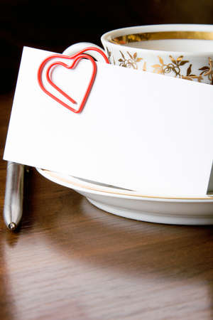 ball pens stationery: Workplace romántica relación de conceptos, el romance en la oficina Foto de archivo