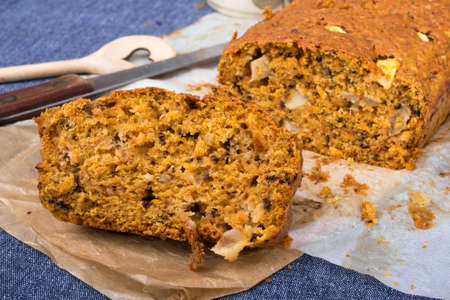 carrot cake: carrot cake with apples and walnuts