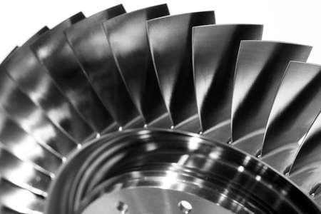 Stahlklingen des Turbinenpropellers. Nahaufnahme. In S / W Standard-Bild - 78876370