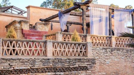 baranda para balcon: Detalles de la configuración de Medina Village en Agadir, Marruecos Foto de archivo