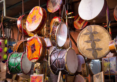 Traditional handmade drums somewhere in Marrakesh, Morocco Standard-Bild