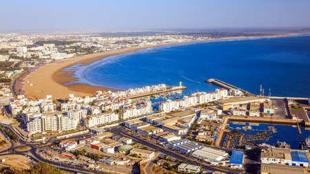 Agadir, 모로코의 파노라마입니다. 산에서보기입니다.