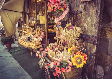 smal: AREZZO, ITALY - JUNE 26, 2015: smal past shop in antique tuscan Arezzo city, Italy