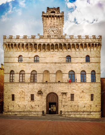 montepulciano: Palazzo Comunale Town Hall in antique town of Montepulciano, Tuscany