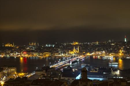 Istanbul bei Nacht, Türkei Standard-Bild - 12270548