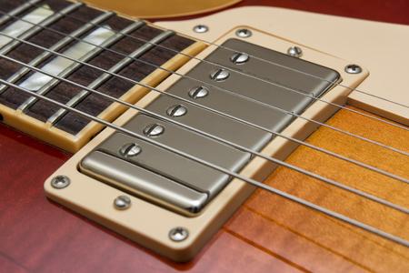 polarity: Electric Guitar Pickup