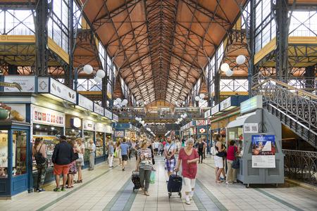 Große Markthalle von Budapest, Ungarn Standard-Bild - 43186923