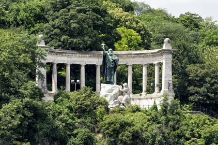 St. Gellert Statue, Budapest, Hungary Banco de Imagens