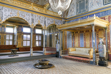 Throne Room Inside Harem Section Of Topkapi Palace, Istanbul, Turkey 新闻类图片