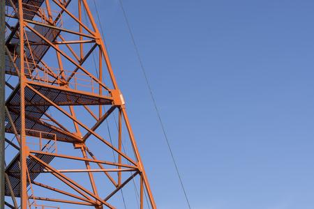 andamios: Red Metal Andamio Foto de archivo