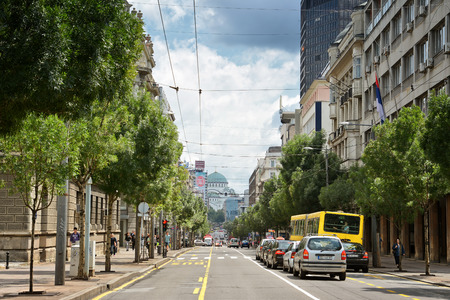 semaforo peatonal: Calle de Belgrado, Serbia Editorial