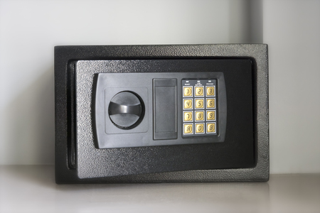 numpad: Electronic Safety Box