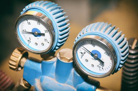 Pressure Valves With Indicators