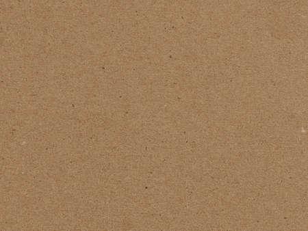 Blanker, brauner Karton mit sichtbarer Papierstruktur