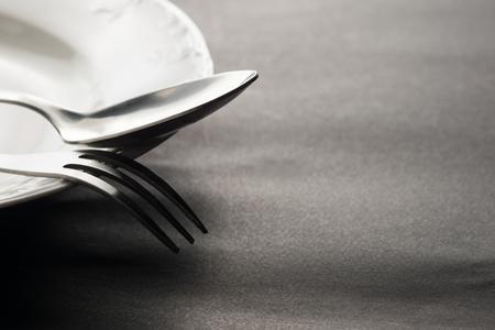 cubiertos de plata: Kitchen and restaurant silverware. High resolution image.