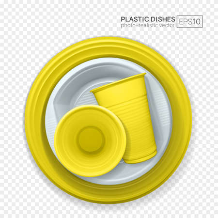 Set of realistic plastic dishes on a transparent background. Yellow and white disposable tableware. 免版税图像