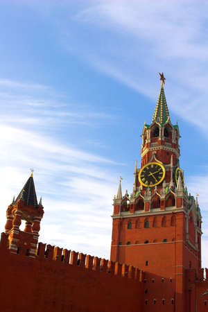 kreml: Famous Kremlin tower in Moscow on Red square, Russia