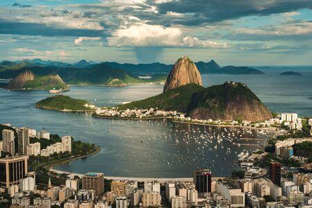 Famous View of Rio de Janeiro With the Sugarloaf Mountain, Botafogo Beach, Guanabara Bay Standard-Bild