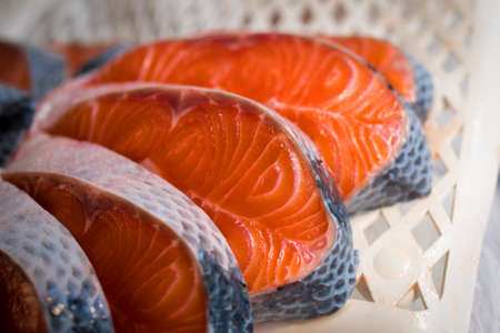 Fresh Salmon Fillet Slices at the Market Фото со стока - 154005700