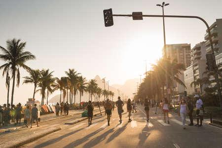 Rio de Janeiro, Brazil - September 13, 2020: Vieira Souto avenue in Ipanema beach with locals enjoying a sunny sunday afternoon. Фото со стока - 155893926